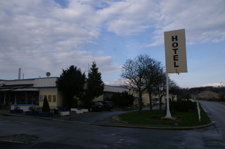 "Hotellet ""Hotel""?"