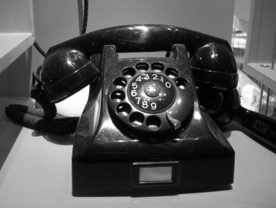 Typisk bakelittelefon från 1940-talet.