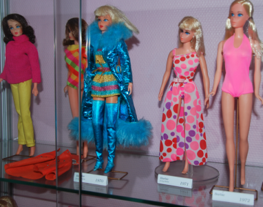 Mina Barbiekläder! (Som jag faktiskt tror att jag har kvar i källaren.)