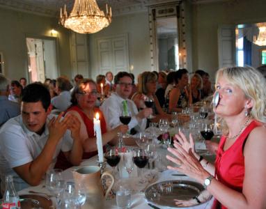 Middag i slottet. (Foto: M. Bergman.)