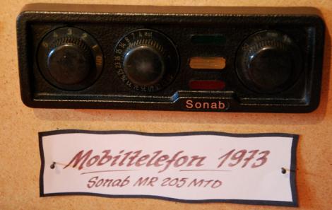 Tydligen fanns det 1973 åtta mobiltelefonabonnemang i Sverige.