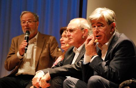 Bertil Svensson, Lotta Thorell, Fritte Friberg och Kryddan Peterson, som undrar vem den där med hatten är och nog tänker att det är en stalker.