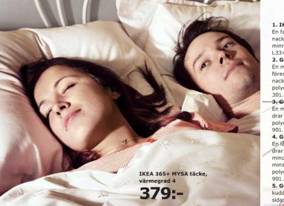 Nöjd med sitt värv somnade hon snabbt. Han låg vaken och kände hur livsglädjen rann ur honom.
