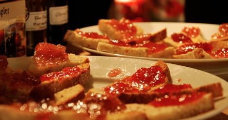 Rostebröd med marmelad – precis som hemma liksom.