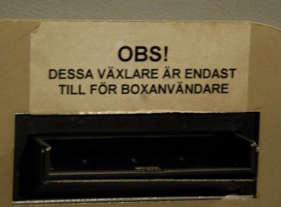 Box = förvaringsskåp.