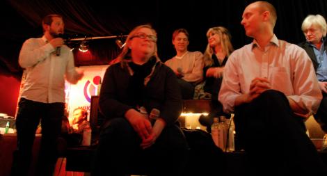 Moderatorn, Kajsa Hartig, PM Nilsson, Unni Drougge, Karl Sigfrid och Stig Larsson.