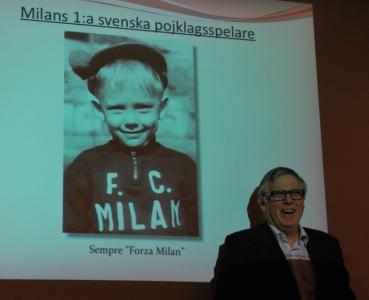 Aha. Milans förste svenska pojklagsspelare.