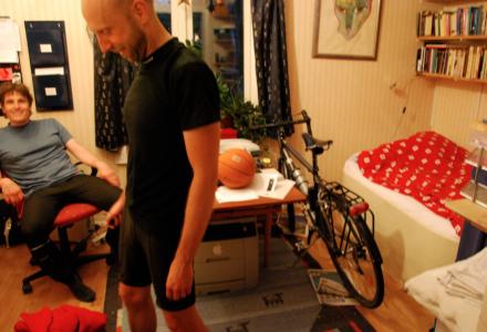 På stockholmskt manér kunde Vinlusen inte somna utan cykeln bredvid sängen.
