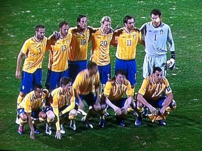 För Sverige–Kroatien 2012 (och alldeles efter de få sekunder när alla satt och stod stilla).