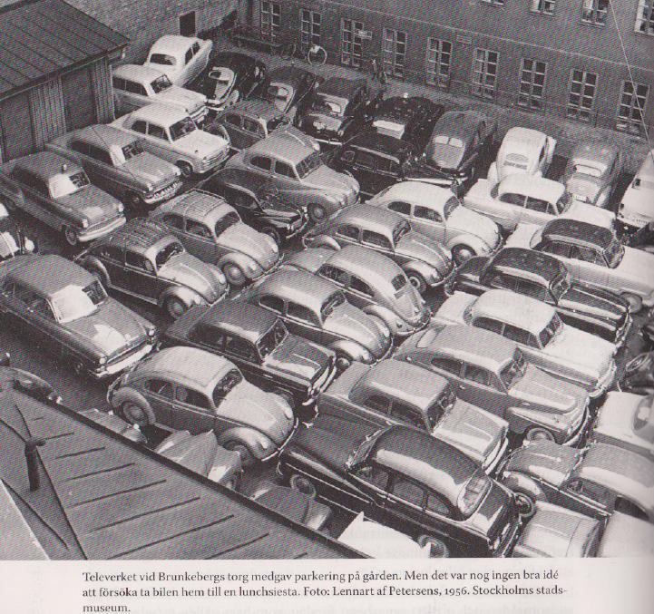 Televerkets personalparkering vid Brunkebergstorg i Stockholm (1956).
