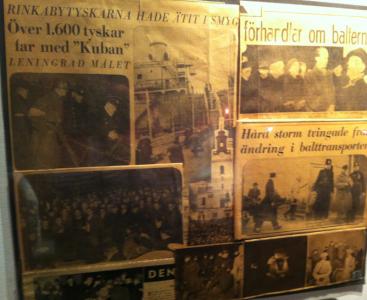 Svenska tidningsurklipp på Ockupationsmuseet i Riga.