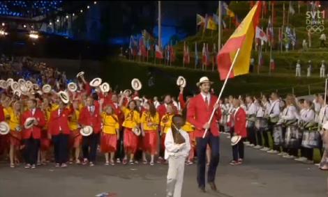 Pau Gasol – Spaniens bäste basketspelare (2,15 m) som även han höll flaggan utan bärsele och som viftade den som vore den en liten ätpinne.