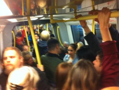 Och på tunnelbanan mot Centralen igen var jag verkligen inte ensam.