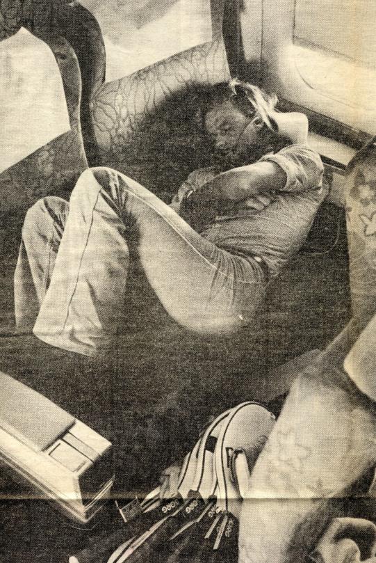 Favoritbilden på Björn Borg. Det var 1978 och fotografen Jacob Forssell kunde ostraffat smyga in i första klass och ta en sovbild.)