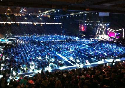 Obegripligt många människor. Och alla var extremt glada över att få vara med!