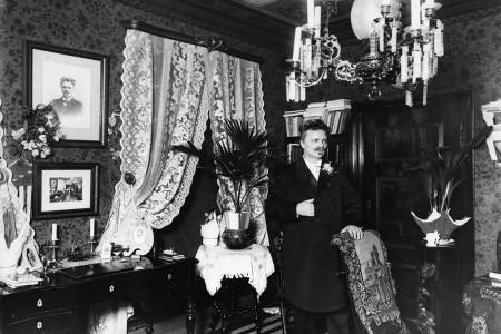 Strindberg hemma … lite överbelamrat kanske?