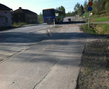 Hejdå tryggheten i bussen! (Eller vaddå trygghet, busschauffören visst knappt var han var eftersom han hade blivit blixtinkallad och aldrig brukade köra den här sträckan.)