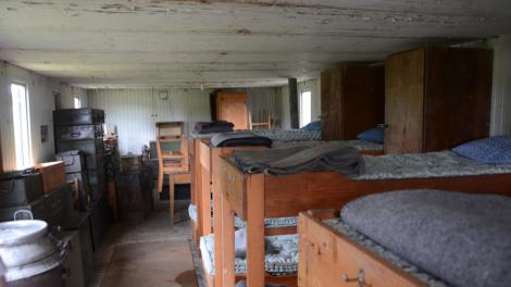 Det trånga utrymmet var Sveriges enda bevarade mobila logement. (Alla de andra brändes upp efter kriget.)