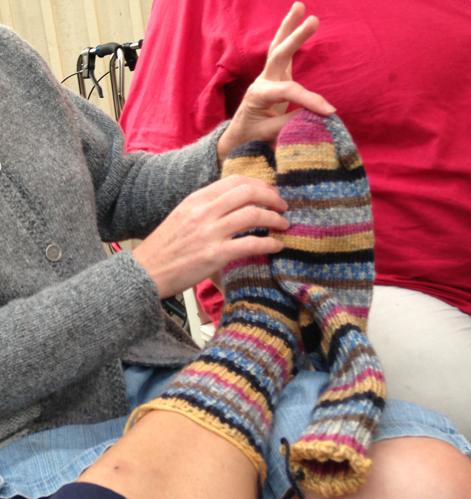 På mina fötter: världens varmaste sockar, ditsatta av den mest långväga gästen Cecilia N.