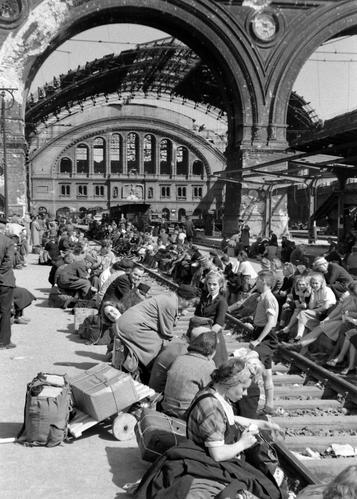 Just den här bilden är dock tagen efter kriget – i augusti 1945. (Foto: Margaret Bourke-White)
