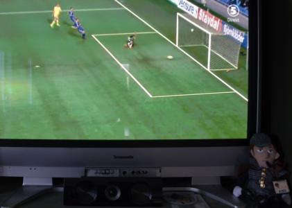 Men nu gjorde Zlatan mål efter 28 sekunder! (Det påstås i källor att det var efter 27 sekunder. Det tror jag vad jag vill om, för jag vill inte ändra i rubriken ovan.)