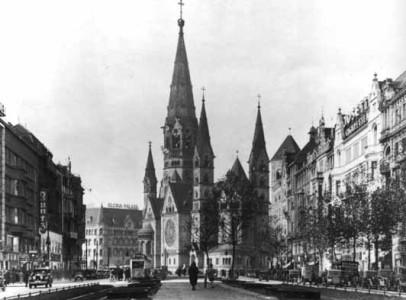 Den såg ut så här innan den bombades sönder och samman under andra världskriget.