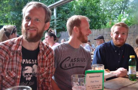 """– Three ginger beards! sa jag förtjust när de kom och satte sig mittemot mig. (De trodde att jag sa """"ginger breads"""".)"""