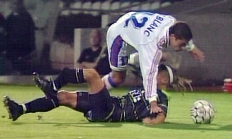 Henke Larsson bröt benet och kom tillbaka och slog världen med häpnad.