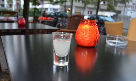 Hjälp mig nu: vad heter den där drycken? Jag kan ju inte sitta här och sitta med ett blogginlägg med xxxx-snaps!