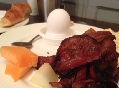 Utmärkt på alla sätt och vis! Äggröran var perfekt kletig och croissanten som lade ytterligare fett på bördan var utsökt i all sin krasighet.