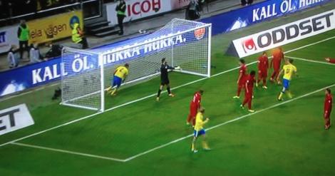 Kolla, Zlatan som gjorde målet går bara bortåt utan att fira.