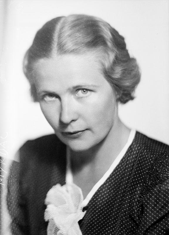 Alva Myrdal runt 1930.