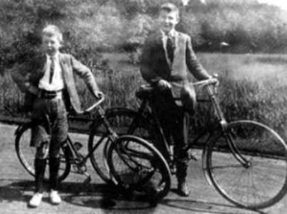 """""""Jack"""" och """"Warnie"""", som bröderna Lewis kallades."""