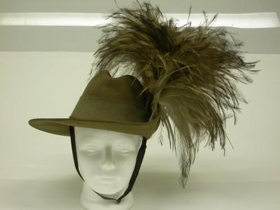 Det australiensiska kavalleriets hattar såg runt 1914 faktiskt ut så här, vilket ju verkar väldigt praktiskt.