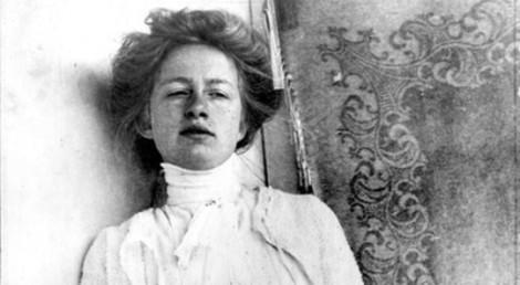 Här har Edith Södergran tagit en selfie.