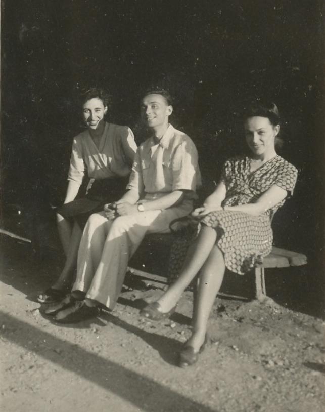 Syster Anna Maria, Primo själv och blivande hustrun Lucia 1947.
