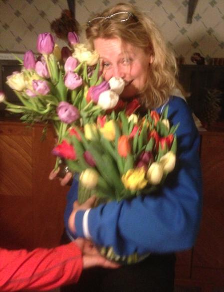 Bild tagen en sekund innan jag trots den hjälpande handen i nederkant tappade den ena vasen. (Som höll!)