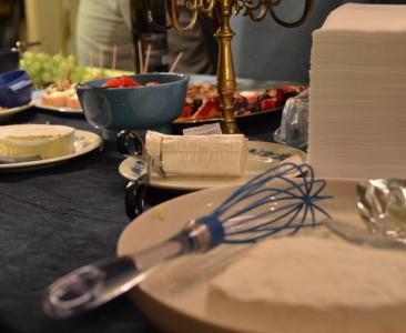 – Ta nu ost med sax eller ballongvisp den som kan!