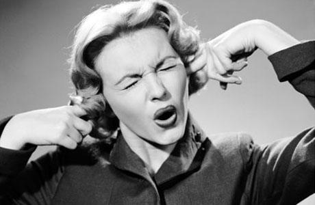– Neeeeej! Jag hör inte! Men jag kan skrika noooooo!